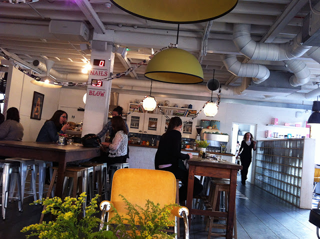 My visit to the cheeky parlour bloomzy for Hair salon shoreditch