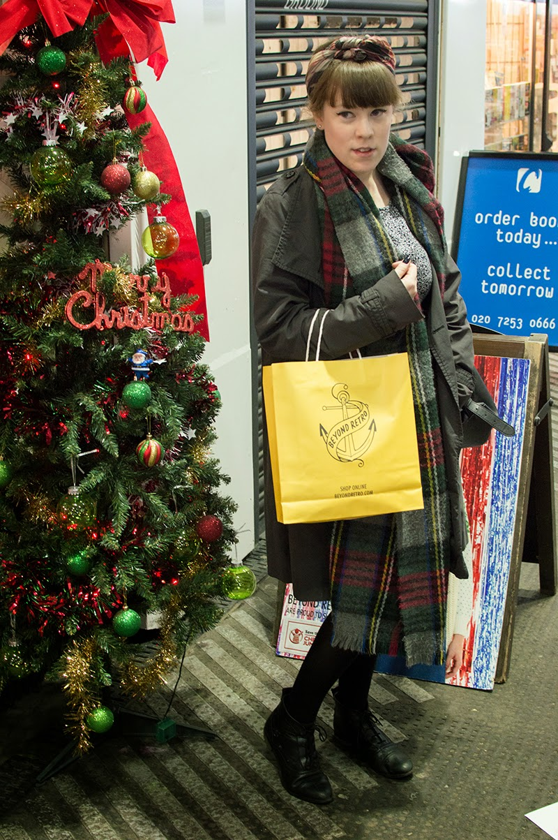 beyond-retro-christmas-jumper-pop-up-old-street-station-st-bloomzy-1