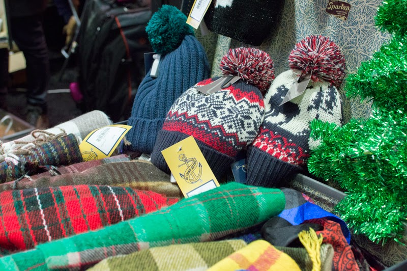 beyond-retro-christmas-jumper-pop-up-old-street-station-st-bloomzy-5