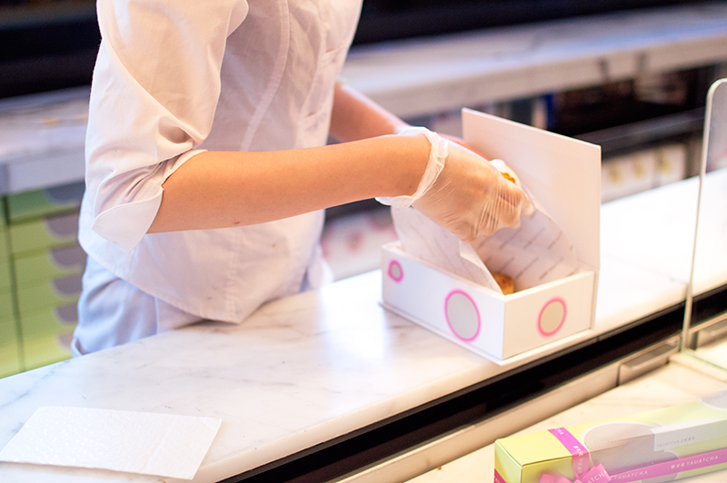 yauatcha-london-soho-afternoon-tea-mooncakes-patisserie-1