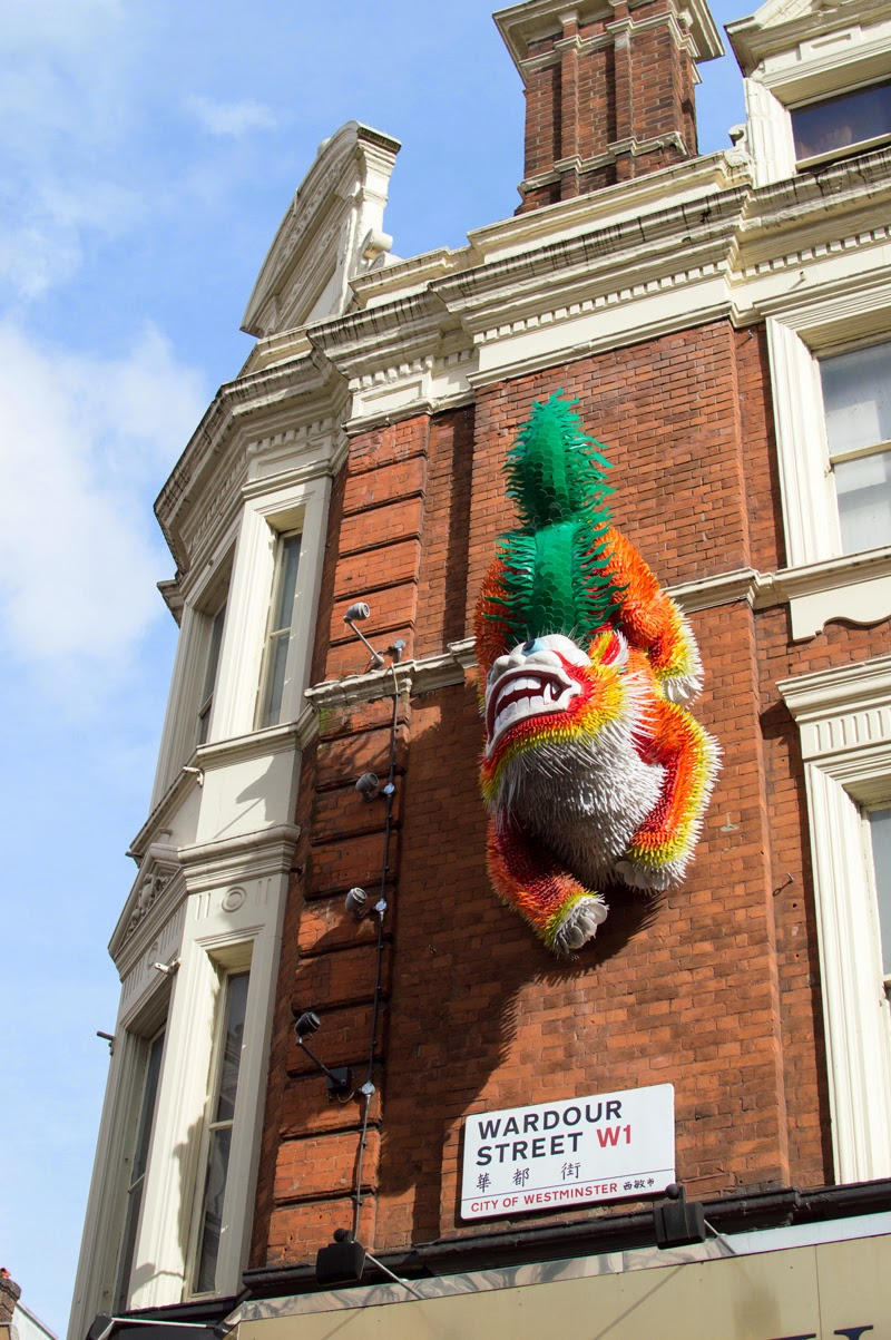 a-london-life-china-town-bloomzy-photo-travel-diary-chinese-dragon-art-wardour-street