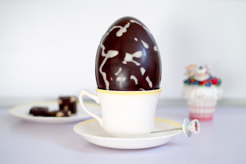 hotel-chocolat-dairy-free-milk-chocolate-scrambled-easter-egg-bloomzy-5