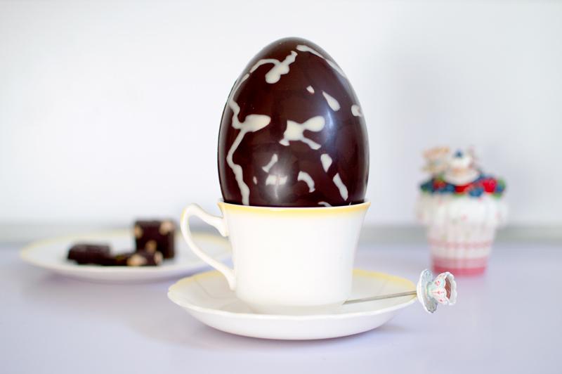 hotel-chocolat-dairy-free-milk-chocolate-scrambled-easter-egg-bloomzy-5