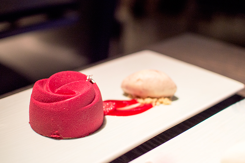 yauatcha-london-soho-afternoon-tea-patisserie-raspberry-delice
