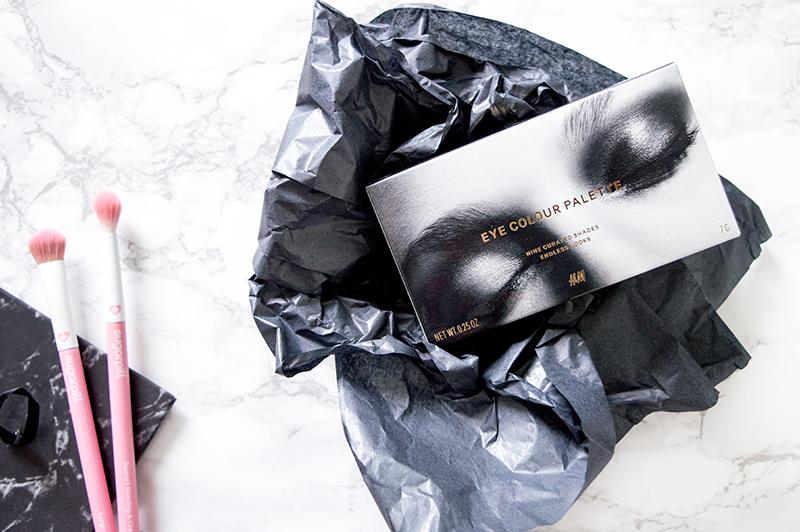 H&M-Smokey-Nudes-Eye-Palette-swatch-review-1