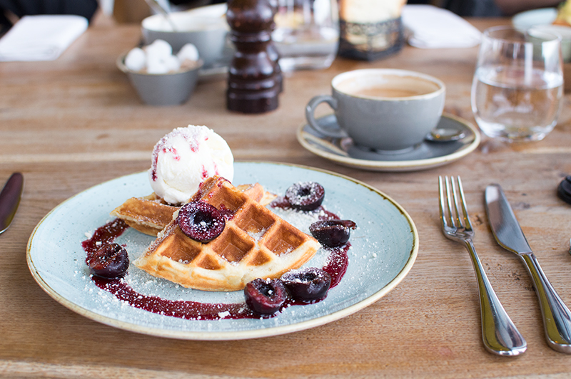 duck-and-waffle-experian-wedding-guest-finance-8